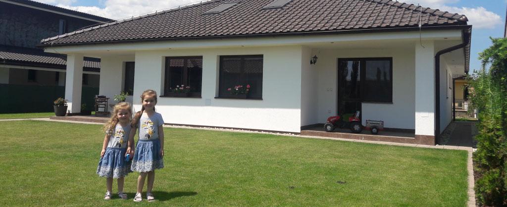 Montovany keramicky dom ktory sa v lete neprehrieva